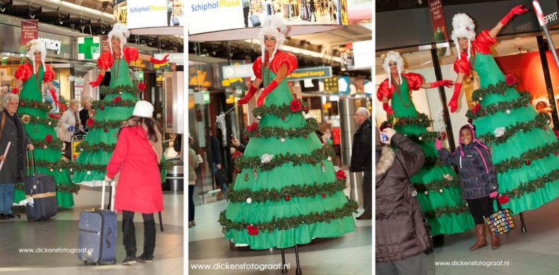 Kerstboom op stelten een zeer unieke en mobiele kerstact, kerstentertainment, kerst artiesten boeken, www.kerstacts.nl