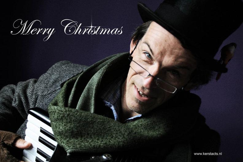 Kerstmuziek, Kerstmuzikant Scrooge zanger accordeonist zorgt voor de juiste kerstsfeer, www.kerstacts.nl