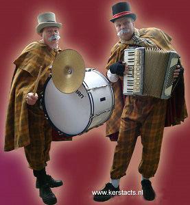 Kerstmuziek - kerstmuzikanten Kerstmannen muziekduo voor kerstmarkt, www.kerstacts.nl