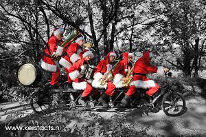 Kerst artiest, kerstartiest, kerstmuzikanten, kerst muzikanten, kerstmuziek, kerst muziek, kerstshow, kerst show, kerstentertainment, kerst entertainment, kerst, kerst acts, kerst act, kerstacts, kerstact, kerst en winter muziek, kerst en winter artiesten, kerst en winter entertainment, kerstthema, thema kerst, kerstmuziek, kerstmuzikanten, bandje, kerstentertainment, kerstartiesten boeken, muzikanten boeken, kerstkoor, themafeest, winterentertainment, wintermuziek, muziektrio, muziekduo, kerstzanger, kerstact, kerst repertoire, kersttijd, akoestiche muziek, mobiele muziek, winterfeest, nieuwjaarsfeest, stijlvolle muziek, muzikaal entertainment, kerstmis, kerstdiner, kerstborrel, kerstviering, kerstmarkt, kerstman muziek, white Christmas, Govers Evenementen, kerstumuziek, kerstmuzikanten, kerstman, kerstmannen, www.kerstacts.nl