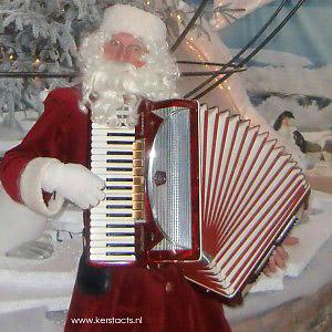 Kerst artiest, kerstartiest, kerstmuzikanten, kerst muzikanten, kerstmuziek, kerst muziek, kerstshow, kerst show, kerstentertainment, kerst entertainment, kerst, kerst acts, kerst act, kerstacts, kerstact, kerst en winter muziek, kerst en winter artiesten, kerst en winter entertainment, kerstthema, thema kerst, kerstmuziek, kerstmuzikanten, bandje, kerstentertainment, kerstartiesten boeken, muzikanten boeken, kerstkoor, themafeest, winterentertainment, wintermuziek, muziektrio, muziekduo, kerstzanger, kerstact, kerst repertoire, kersttijd, akoestiche muziek, mobiele muziek, winterfeest, nieuwjaarsfeest, stijlvolle muziek, muzikaal entertainment, kerstmis, kerstdiner, kerstborrel, kerstviering, kerstmarkt, kerstman muziek, white Christmas, Govers Evenementen, Zingende Kerstman- kerst muzikant . Deze allround accordeonist-zanger heeft een breed repertoire aan kerstliedjes, categorie Zingende kerstman - kerstmuzikanten, www.kerstacts.nl