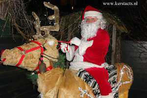 Kerst artiest, kerstartiest, kerstshow, kerst show, kerstentertainment, kerst entertainment, kerst, kerst acts, kerst act, kerstacts, kerstact, kerst en winter muziek, kerst en winter artiesten, kerst en winter entertainment, kerstthema, thema kerst, straattheater, Kerstentertainment, kerstman, kerstartiesten, winter acts, kerstact, kerstacts, entertainment, kerstartiesten boeken, winterentertainment boeken, kerstmuziek, artiesten boeken, winter, kerst, christmas, kerst, artiestenbureau, Govers Evenementen, themafeest, winkelcentrum kerst, Dickenskoor, charles dickens entertainment, kerst steltenlopers, kerstmuzikanten, Kerstentertainment. De kerstman heeft moeite om zijn ondeugdende Rendier in bedwang te houden, hilarisch Kerstentertainment, www.kerstacts.nl